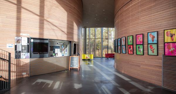 Saamelaiskulttuurikeskus Sajoksen aula.